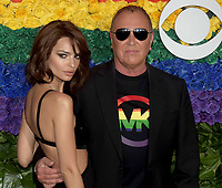 NEW YORK, NEW YORK - JUNE 09: Emily Ratajkowski and Michael Kors attend the 73rd Annual Tony Awards at Radio City Music Hall on June 09, 2019 in New York City. <br /> CAP/MPI/IS/CSH<br /> ©CSHIS/MPI/Capital Pictures