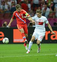 FUSSBALL  EUROPAMEISTERSCHAFT 2012   VORRUNDE Polen - Russland             12.06.2012 Andrey Arshavin (li, Russland) gegen Lukasz Piszczek (re, Polen)
