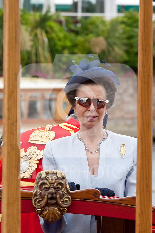 HENLEY, ENGLAND. 02-07-2010. Her Royal Highness Princess Anne, The Princess Royal arriving  on day 3 of the Henley Royal Regatta 2010 held on the River Thames at Henley Buckinghamshire.   Foto: nph /  Mitchell Gunn