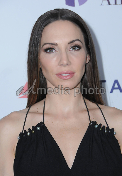24 October  2017 - Beverly Hills, California - Whitney Cummings. Elizabeth Taylor AIDS Foundation and Mothers2Mothers Benefit Dinner held at The Green Acres Estates in Beverly Hills. Photo Credit: Birdie Thompson/AdMedia