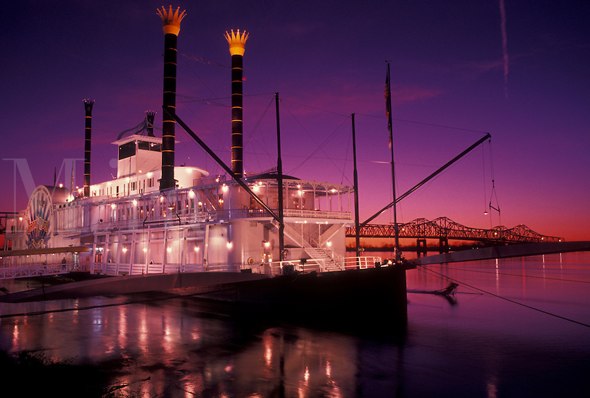 riverboat, casino, sunset, Natchez, Mississippi River, MS, Mississippi, Lady Luck Natchez Riverboat Casino on the Mississippi River at sunset in Natchez.