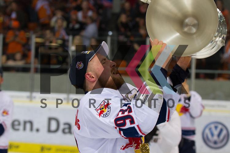 Der EHC Red Bull Muenchen ist deutscher Eishockey Meister 2016 am 22.04.2016 in den Playoffs der DEL<br /> <br /> Foto &copy; PIX-Sportfotos *** Foto ist honorarpflichtig! *** Auf Anfrage in hoeherer Qualitaet/Aufloesung. Belegexemplar erbeten. Veroeffentlichung ausschliesslich fuer journalistisch-publizistische Zwecke. For editorial use only.