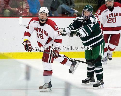 Alex Killorn (Harvard - 19), Evan Stephens (Dartmouth - 24) - The Harvard University Crimson defeated the Dartmouth College Big Green 4-1 (EN) on Monday, January 18, 2010, at Bright Hockey Center in Cambridge, Massachusetts.
