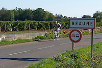 road sign cyclist beaune cote de beaune burgundy france