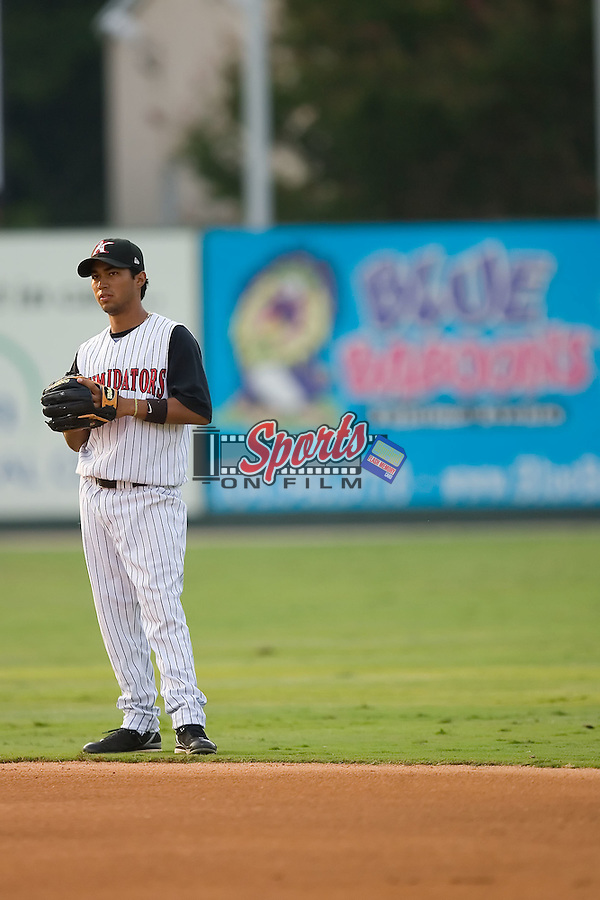 Second baseman Oney Guillen (22) of the Kannapolis Intimidators on defense at Fieldcrest Cannon Stadium in Kannapolis, NC, Wednesday August 21, 2008. (Photo by Brian Westerholt / Four Seam Images)