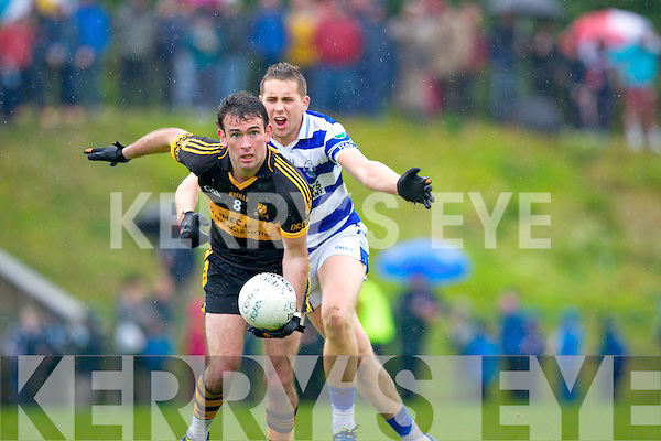 Ambrose O'Donovan powers away from Sean Dineen Castlehaven during their Munster Club Championship QF in Lewis Road on Sunday