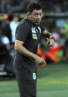 MEDELLIN - COLOMBIA -04-05-2014: Jorge Rios, asistente tecnico de Atletico Nacional durante partido de vuelta entre Atletico Nacional y el Envigado FC por los cuartos de final de la Liga Postobon I 2014, jugado en el estadio Atanasio Girardot de la ciudad de Medellin.  / Jorge Rios assistant coach of Atletico Nacional during a match for the second leg between Atletico Nacional and Envigado FC for the quarter of finals the Liga Postobon I 2014 at the Atanasio Girardot stadium in Medellin city. Photo: VizzorImage. / Luis Rios / Str.