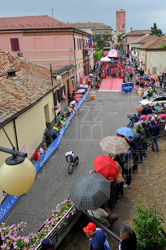 ITALIA. 22-05-2014. Sitio de Partida en Barbaresco de la etapa 12 a cronómetro individual entre  Barbaresco y Barolo con una distancia de 42,2 Km en la versión 97 del Giro de Italia hoy 22 de mayo de 2014. / Place of the start from Barbaresco on the 12th stage, single stopwatch, between Barbaresco and Barolo with a distance of 42.2 km in the 97th version of Giro d'Italia today May 22th 2014.   Photo: VizzorImage/ Gian Mattia D'Alberto / LaPresse