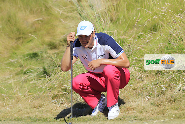 Martin Kaymer (GER) lines up his putt on the 6th green during Friday's Round 2 of the 2015 U.S. Open 115th National Championship held at Chambers Bay, Seattle, Washington, USA. 6/20/2015.<br /> Picture: Golffile | Eoin Clarke<br /> <br /> <br /> <br /> <br /> All photo usage must carry mandatory copyright credit (&copy; Golffile | Eoin Clarke)