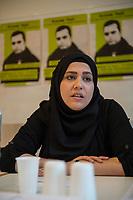 """Pressekonferenz am Montag den 10. Juli 2017 zur Einstellung des Verfahrens gegen Polizisten, welche im September 2016 den irakischen Fluechtling Hussam Fadl Hussein bei einem Polizeieinsatz auf dem Gelaende einer Fluechtlingsunterkunft.<br /> Der 29 jaehrige Familienvater und Polizist wurde am 27.9.2016 in einer Berliner Fluechtlingsunterkunft von drei Polizisten von hinten erschossen, als er versucht haben soll sich einem festgenommenen Mann zu naehern, der seine Tochter missbraucht haben soll. Die Polizei hatte behauptet in Notwehr gehandelt zu haben, da Hussam Fadl Hussein angeblich mit einem Messer bewaffnet gewesen sein soll. Augenzeugen sagten jedoch aus, dass Hussam Fadl Hussein nicht bewaffnet gewesen sei und kein Messer gehabt habe.<br /> Die Staatsanwaltschaft hat das Ermittlungsverfahren Ende Mai 2017 mit dem Verweis auf Notwehr der Beamten eingestellt.<br /> Die Initiativen """"Reach Out"""", """"Kampagne fuer Opfer rassistischer Polizeigewalt (KOP)"""", der Fluechtlingsrat Berlin und Haman Gate (Ehefrau des Erschossenen) fordern die Wiederaufnahme der Emittlungen, eine Anklageerhebung der Staatsanwaltschaft und ein Strafverfahren gegen die Polizeibeamten, die auf Hussam Fadl geschossen haben und die sofortige Suspendierung der beschuldigten Polizisten. Um diese Forderung zu Unterstuetzen wird es am 10. Juli 2017 vor dem Polizeipraesidium geben.<br /> Im Bild: Haman Gate, Ehefau des Erschossenen.<br /> 10.7.2017, Berlin<br /> Copyright: Christian-Ditsch.de<br /> [Inhaltsveraendernde Manipulation des Fotos nur nach ausdruecklicher Genehmigung des Fotografen. Vereinbarungen ueber Abtretung von Persoenlichkeitsrechten/Model Release der abgebildeten Person/Personen liegen nicht vor. NO MODEL RELEASE! Nur fuer Redaktionelle Zwecke. Don't publish without copyright Christian-Ditsch.de, Veroeffentlichung nur mit Fotografennennung, sowie gegen Honorar, MwSt. und Beleg. Konto: I N G - D i B a, IBAN DE58500105175400192269, BIC INGDDEFFXXX, Kontakt: post@christian-ditsch.de<br """