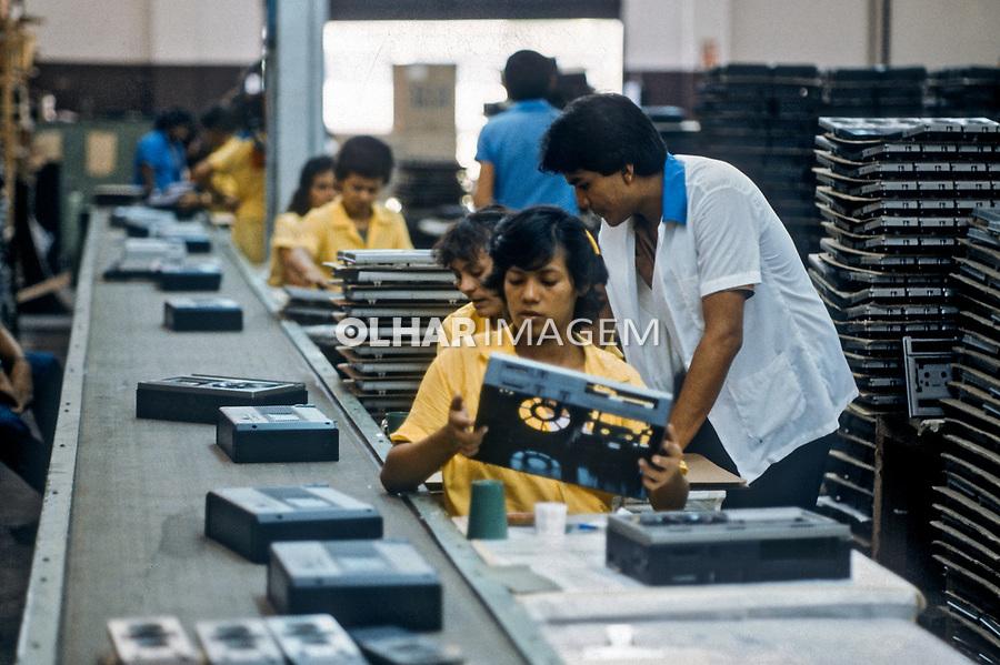 Industria eletro eletronica na Zona Franca de Manaus. Amazonas. 1985. Foto Juca Martins.