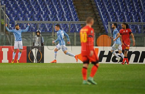25.02.2016. Stadio Olimpico, Rome, Italy. Uefa Europa League, Return leg of SS Lazio versus Galatasaray. Goal celebrations for the goal from Felipe Anderson Lazio