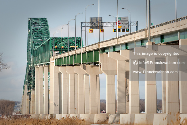 Pont Laviolette bridge is pictured in Becancour, January 27, 2010. Opened in 1967,  the arch bridge is connecting the city of Trois-Rivieres, Quebec, Canada to Becancour on the south shore of the Saint Lawrence River via Autoroute 55.