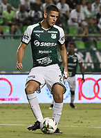 PALMIRA - COLOMBIA, 17-04-2019: Francisco Delorenzi del Cali en acción durante el partido por la fecha 16 de la Liga Águila I 2019 entre Deportivo Cali y Atlético Junior jugado en el estadio Deportivo Cali de la ciudad de Palmira. / Francisco Delorenzi of Cali in action during match for the date 16 between Deportivo Cali and Atletico Junior of the Aguila League I 2019 played at Deportivo Cali stadium in Palmira city .  Photo: VizzorImage / Gabriel Aponte / Staff