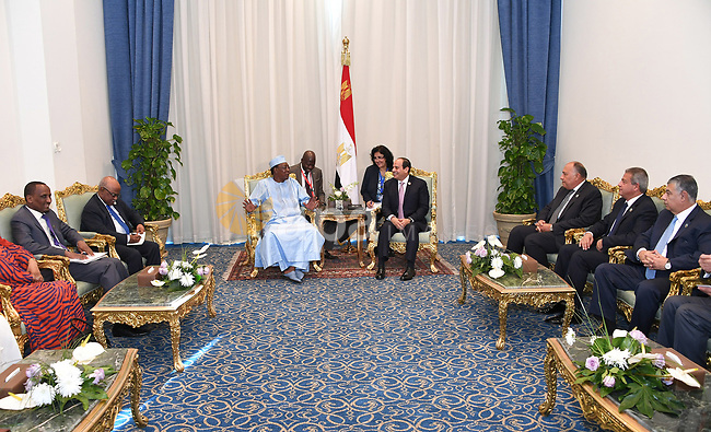 Egyptian President Abdel-Fattah al-Sisi meets with Chad President Idriss Deby, in Sharm El Sheikh, Egypt, on November 8, 2017. Photo by Egyptian President Office