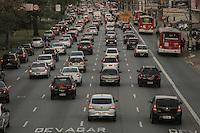SAO PAULO, SP, 09.09.2013 - TRANSITO SAO PAULO - Trânsito intenso no sentido bairro da Avenida Alcântara Machado (Radial Leste), na região do Brás, Centro de São Paulo, no final da tarde desta segunda-feira. (Foto: William Volcov / Brazil Photo Press).