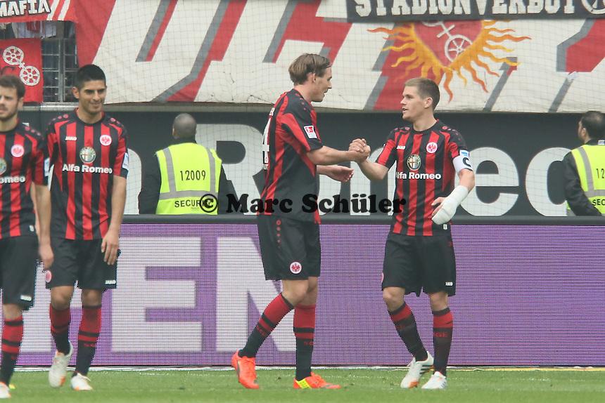 Torjubel um Alex Meier (Eintracht) beim 2:0 - Eintracht Frankfurt vs. 1. FSV Mainz 05