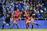 Matt Banahan of Bath Rugby offloads the ball. European Rugby Champions Cup match, between RC Toulon and Bath Rugby on December 9, 2017 at the Stade Mayol in Toulon, France. Photo by: Patrick Khachfe / Onside Images