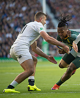 Twickenham, United Kingdom, Saturday, 3rd November 2018, RFU, Rugby, Stadium, England,   RSA. Sibusico NKOSI, going for the gap. left Jonny MAY and Elliot DALY, during the Quilter, Autumn International, England vs South Africa, © Peter Spurrier
