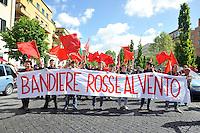 Roma, 25 aprile 2012.Corteo per la Liberazione dal nazifascismo..Bandiere rosse al vento