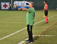 MONTERIA - COLOMBIA, 02-09-2018: Hernan Dario Herrera, técnico del Nacional, gesticula durante partido entre Jaguares de Córdoba y Atletico Nacional por la fecha 7 de la Liga Águila II 2018 jugado en el estadio Municipal de Montería. / Hernan Dario Herrera, coach of Nacional, gestures during the match between Jaguares of Cordoba and Atletico Nacional for the date 7 of the Liga Aguila II 2018 at the Municipal de Monteria Stadium in Monteria city. Photo: VizzorImage / Andres Felipe Lopez / Cont