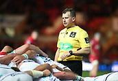 29th September 2017, Parc y Scarlets, Llanelli, Wales; Guinness Pro14 Rugby, Scarlets versus Connacht; Referee Nigel Owens observes the scrum