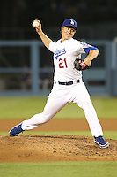 06/06/13 Los Angeles, CA:  Los Angeles Dodgers starting pitcher Zack Greinke #21during an MLB game played between the Los Angeles Dodgers and the Atlanta Braves at Dodger Stadium. The Dodgers defeated the Braves 5-0.