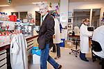 Utrecht, 29 november 2015<br /> Universitair Medisch Centrum Utrecht<br /> Jos van Strijp<br /> Onderzoeker op de afdeling Medische Microbiologie<br /> Foto Felix Kalkman
