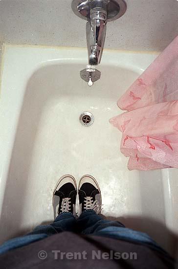 Trent feet in bathtub.; Rexburg, ID<br />