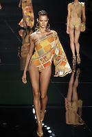 SAO PAULO, SP, 13 JUNHO 2012 - SPFW DESFILE GRIFE AGUA DE COCO- Desfile da grife Agua de Coco durante a 33ª edição do São Paulo Fashion Week Verão 2013, nesta quarta-feira, 13. (FOTO: MARCOS MADI / BRAZIL PHOTO PRESS).