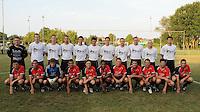 Finale Mandelcup : KFC Izegem - Winkel Sport..ploegfoto voor de match..foto VDB / BART VANDENBROUCKE