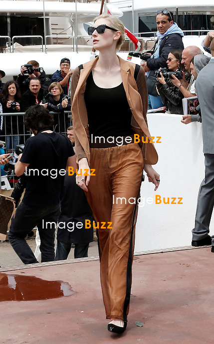 CPE/May 15, 2013-Cannes (FR)-Actress Elizabeth Debicki arrives at Palais Des Festivals for 'The Great Gatsby' photocall.