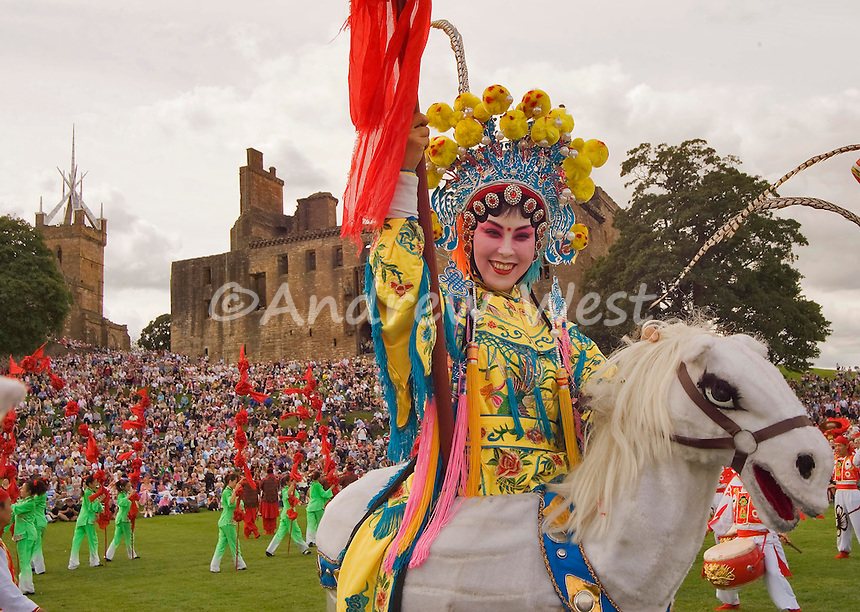 as part of Homecoming Scotland The Edinburgh Tattoo is staged in the grounds of historic Linlithgow Palace<br /> birthplace of Mary Queen of Scots. The Tattoo is performed as part of a Taste of the Tattoo event brining the music, colour and spectacle of the Edinburgh Tattoo  to visitors and locals and gives those who attend chance to sample a complimentary flavour of this year's Burns Anniversary themed production