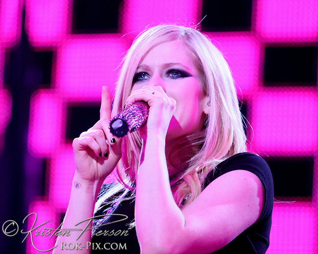 Avril Lavigne perform at Mohegan Sun Arena April 12, 2008