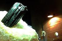 Exposição de pedras preciosas e semi preciosas do pólo jolheiro que funciona no desativado presídio São José, hoje conhecido como São José Liberto.<br />01/11/2005<br />Belém, Pará, Brasil<br />Foto Lucivaldo Sena/Interfoto