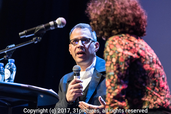 The Netherlands, Amsterdam, 19 November 2017. The 30th International Documentary Film Festival Amsterdam - IDFA 2017. IDFA Doc Talk: An Inconvenient Truth 2 after screening. From left; director Jon Shenk, moderator Femke Halsema. Photo: 31pictures.nl / (c) 2017, www.31pictures.nl