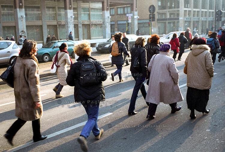 Italia, Milano, 14/01/06.Manifestazione donne in difesa legge 194. .© Andrea Pagliarulo/BuenaVista.Italy, Milan, 14/01/06.Feminist demonstration. .© Andrea Pagliarulo/BuenaVista.