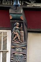"""Deutschland, Goslar, Die Butterhanne - Detal des Hauses"""" Brusttuch"""", Unesco-Weltkuturerbe"""