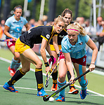 DEN BOSCH - Hannah Seifert met Sian Keil  tijdens  de finale van de EuroHockey Club Cup, Den Bosch-UHC Hamburg (2-1).  .COPYRIGHT KOEN SUYK