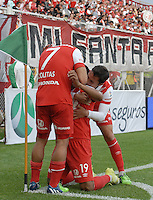 BOGOTÁ -COLOMBIA, 01-02-2015. Jugadores  de La Equidad celebran un gol anotado a Independiente Santa Fe durante partido por la fecha 1 de la Liga Águila I 2015 jugado en el estadio Metropolitano de Techo de la ciudad de Bogotá./ Players of La Equidad celebrate a goal  scored to Independiente Santa Fe during match for the first date of the Aguila League I 2015 played at Metropolitano de Techo stadium in Bogotá city. Photo: VizzorImage/ Gabriel Aponte / Staff
