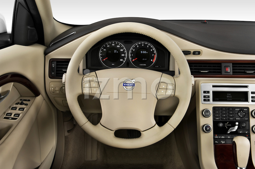 Steering wheel view of a 2008 Volvo XC 70