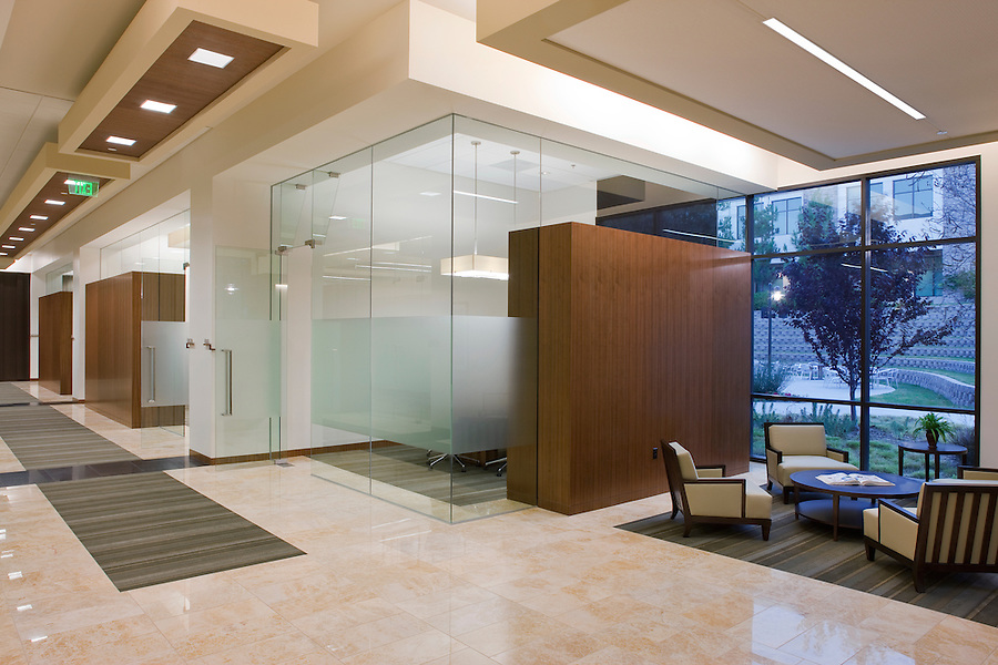 The Knobbe Martens law offices in Del Mar California were completed in 2010. Interior design: Facility Solutions.