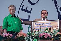 Pontida:  Umberto Bossi con Roberto Maroni durante il raduno di Pontida del 2009