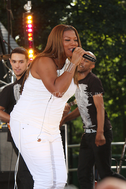 WWW.ACEPIXS.COM . . . . .  ....July 10 2009, New York City....Singer Queen Latifah performed in Central Park on ABC's 'Good Morning America' on July 10 2009 in New York City....Please byline: AJ Sokalner - ACEPIXS.COM..... *** ***..Ace Pictures, Inc:  ..tel: (212) 243 8787..e-mail: info@acepixs.com..web: http://www.acepixs.com
