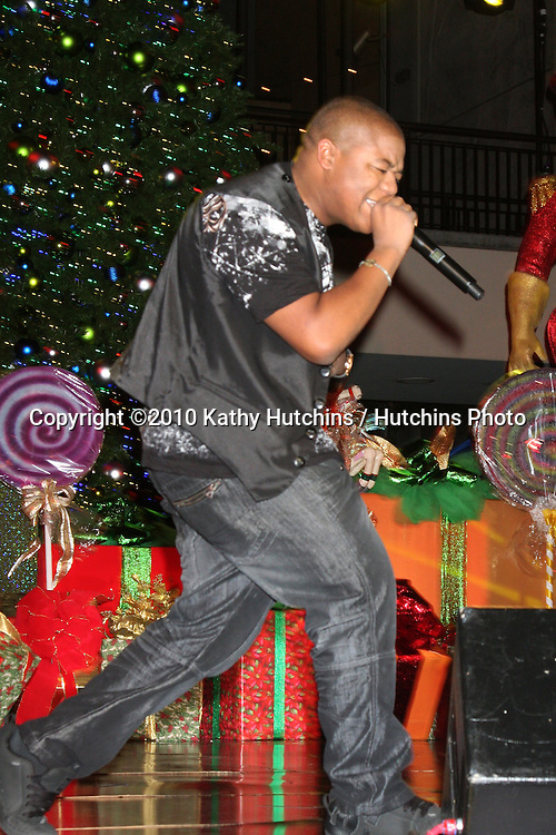 LOS ANGELES - NOV 20:  Kyle Massey at the Hollywood & Highland Tree Lighting Concert 2010  at Hollywood & Highland Center Cour on November 20, 2010 in Los Angeles, CA