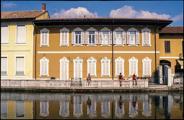 Boffalora sopra Ticino, paese a ovest di Milano lungo il Naviglio Grande --- Boffalora sopra Ticino, small village west of Milan on the Naviglio Grande canal