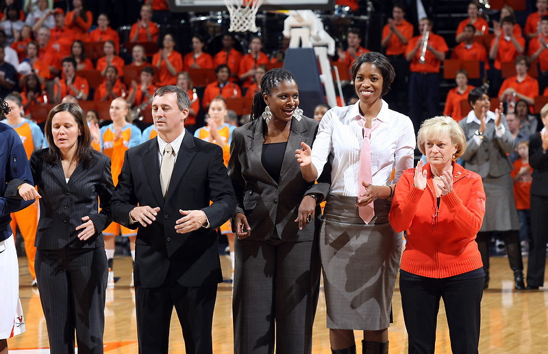 Angie Bjorklund scored 24 points and hit the big shots when Tennessee (No. 5 ESPN/USA Today, No. 6 AP) needed them as the Lady Vols beat No. 12 Virginia 77-63 on Sunday Nov. 22, 2009. (Photo/Andrew Shurtleff)