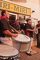 Europe/France/Aquitaine/64/Pyrénées-Atlantiques/Pays-Basque/Saint-Jean-de-Luz: Musiciens lors des Fêtes de la Saint-Jean - Rue de la République //  // France, Pyrenees Atlantiques, Basque Country,  Saint Jean de Luz: Musicians during Saint John's Eve