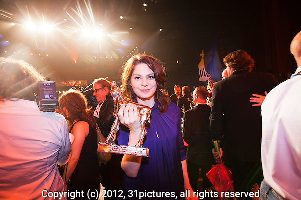 Nederland, Utrecht, 05 oktober 2012. Het 32ste Nederlands Film Festival 2012 - Het Gala van de Nederlandse Film met uitreiking Gouden Kalveren. Rifka Lodeizen (Beste Actrice Televisiedrama voor haar rol in OVERSPEL). Foto: 31pictures.nl / The Netherlands, Utrecht, 05 October 2012. The 32nd Netherlands Film Festival - Award Ceremony Winners Golden Calves. Rifka Lodeizen (Best Actress TV drame in OVERSPEL) . Photo: 31pictures.nl / (c) 2012, www.31pictures.nl