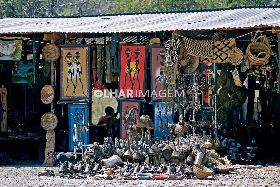 Feira de artesanato africano. Zâmbia. 2007. Foto de Cris Berger.